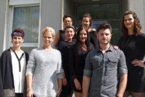 Fachbeirat Veronika Baldewein und Alexandra Schleifer mit Modellen und